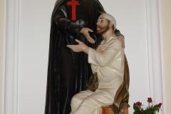Szent Kamil szobra
